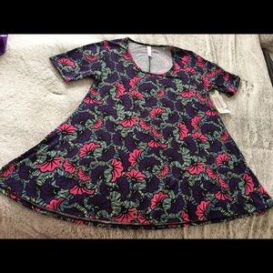 Lularoe Perfect T Small Flowers NWT